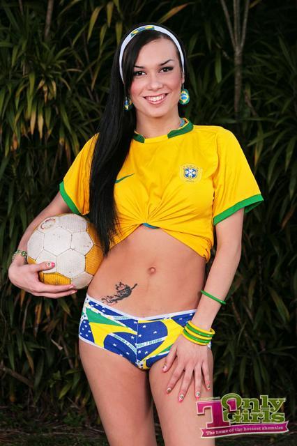 Знакомства смоленск трансвеститы бразилии порно страпоном фото бразильянка