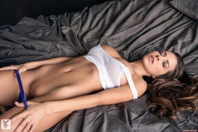 Смотреть порно эротично раздевается, групповое би-порно фото