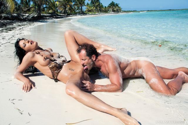 секс безлюдном скачать острове на