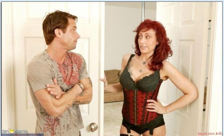 seks-s-naezdnitsi-s-uprugimi-siskami-podelilsya-devushkoy-s-drugom-video-porno-russkoe
