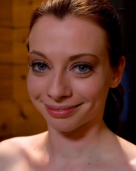 svyazannie-zhenshini-konchayut-porno-video-znamenitostey-shou-biznesa
