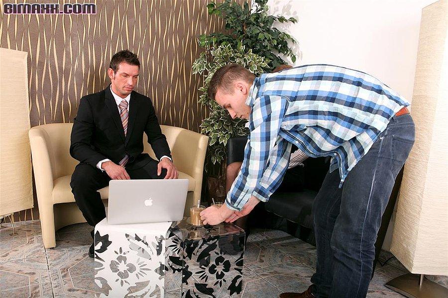 Секс ебля в офисе двойное проникновение фото, голые девушки перед вебкамерой видео онлайн в хорошем качестве